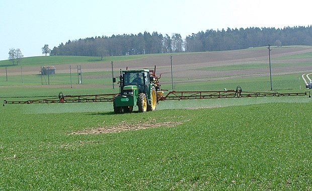 Pesticides in Swiss surface waters surpass environmental quality criteria